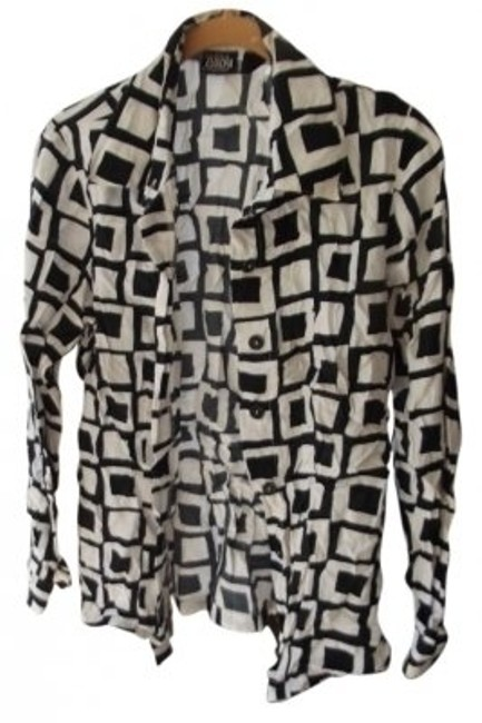Preload https://item2.tradesy.com/images/newport-news-black-and-white-button-front-long-sleeved-button-down-top-size-8-m-13631-0-0.jpg?width=400&height=650
