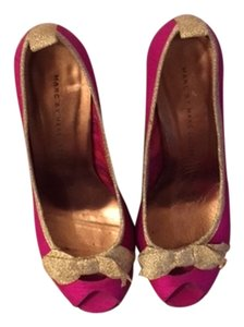Marc by Marc Jacobs Pink and Gold Pumps