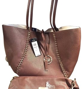 BCBGMAXAZRIA Tote in Brown & White Reversible