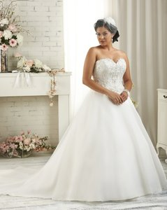 Bonny Bridal 1505 Wedding Dress