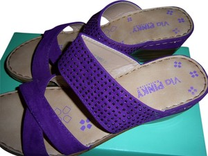 Via Pinky Suede Crystals Purple Sandals