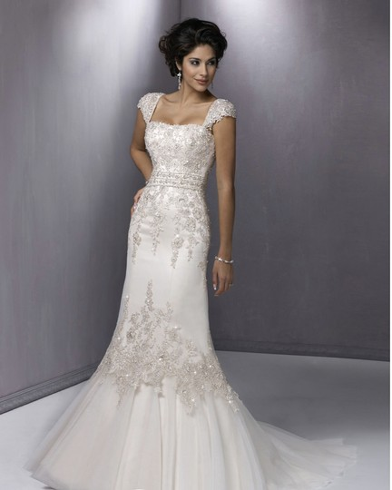 Preload https://img-static.tradesy.com/item/1364196/maggie-sottero-white-with-pewter-milana-formal-wedding-dress-size-6-s-0-2-540-540.jpg