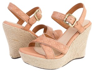 UGG Australia Sandal Platform Wedge Leather Beige Wedges