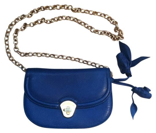 Preload https://img-static.tradesy.com/item/136456/brahmin-leather-with-removable-gold-chain-navy-blue-cross-body-bag-0-0-540-540.jpg
