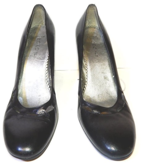 BCBGeneration Round Toe Bcbg Classic Bcbg Black Pumps