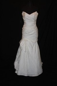 Monique Lhuillier Ivory Satin Mattelass Strapless Sweetheart Asymetrical Trumpet Gown Jenna Formal Wedding Dress Size 8 (M)