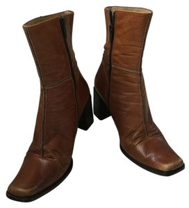 RUSSELL & BROMLEY Vintage Supple Leather Brown Boots