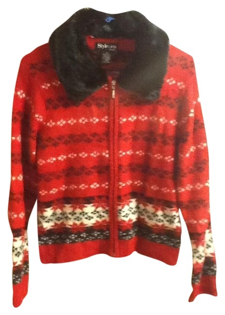 Preload https://img-static.tradesy.com/item/1365551/red-festive-holiday-sweaterpullover-size-petite-6-s-0-0-650-650.jpg