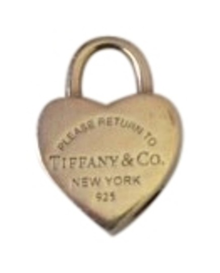 Preload https://item5.tradesy.com/images/tiffany-and-co-silver-heart-pendant-charm-136629-0-1.jpg?width=440&height=440