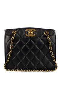 Chanel Quilted Classic Tote in Black