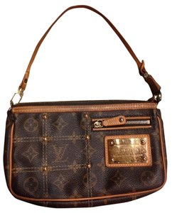 Louis Vuitton Limited Edition Riveting Rare Le Rivet Shoulder Bag
