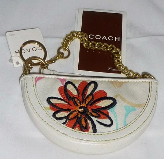 Coach Chain Strap Floral Detail 8920 Scribble Signature Wristlet in Multi-Color