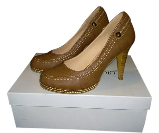 Monroe & Main Size 7 Size 7 Leather Brown Pumps