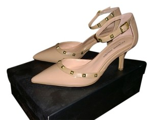 Julianne Hough for Sole Society Size 7 Size 7 Size 7 Kitten Heel Kitten Heel Studded Nude Pumps