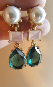 Gorgeous Wedding Earrings Green Gold Plated With Faux Pearl