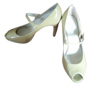 Anne Klein Platform Peep Toe Mary Jane Stiletto beige/light mustard patent leather Pumps