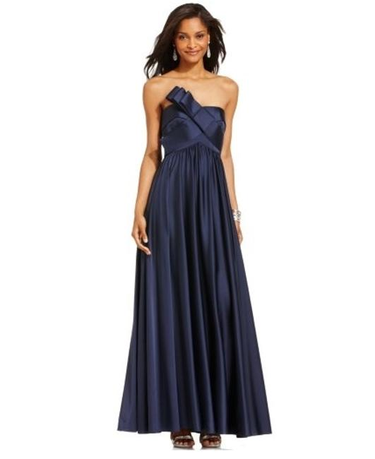 Item - Black Polyester Strapless Pleated Gown Formal Bridesmaid/Mob Dress Size 6 (S)