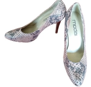 Moda Spana Python pink and grey snake print Pumps