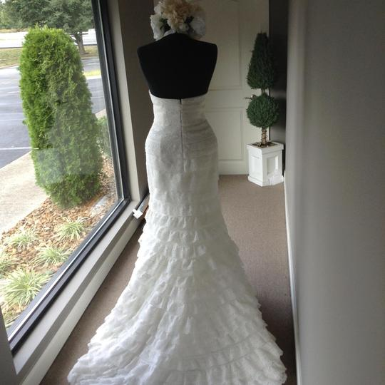 Spanish Lace Wedding Gown: Pronovias Off White Spanish Lace Levada Casual Wedding