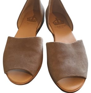 Crown Vintage Tan Flats