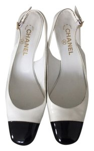 Chanel Vintage Classic Spectator Slingback Black and white Pumps