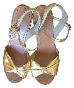 Kate Spade Tan and Gold Sandals