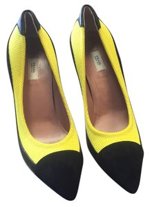 Prada Yellow/black Pumps