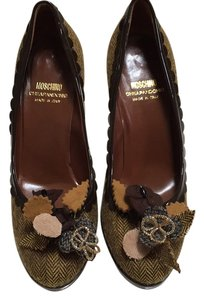 Moschino Brown tweed Pumps