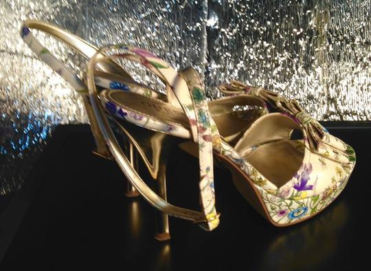 Guess Strappy Bow Peep Toe Shiny Stiletto Gold Heels Excellent Condition Like New FLORAL Pumps Image 1