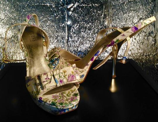 Guess Strappy Bow Peep Toe Shiny Stiletto Gold Heels Excellent Condition Like New FLORAL Pumps Image 3