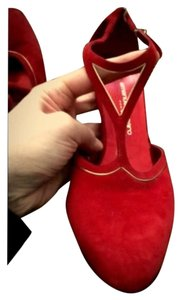 Emanuel Ungaro Rich Red Pumps