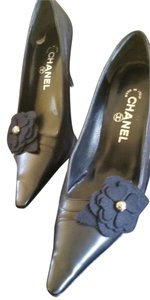 Chanel Flower Classic Leather Black Pumps