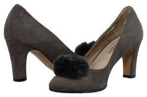 Taryn Rose Suede Grey Pumps