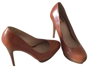 DV by Dolce Vita Brown Pumps