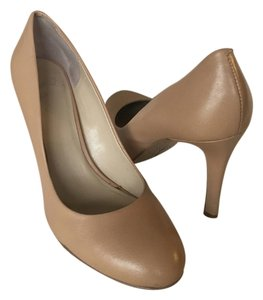 Nine West Spring Summer Classic Wedding Party Tan Pumps