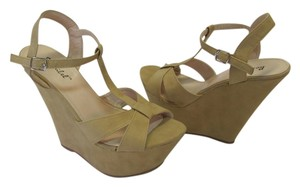 Bonnibel Size 8.50 M Neutral Platforms