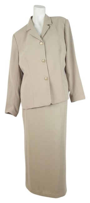 Preload https://item1.tradesy.com/images/jonathan-logan-jonathan-logan-fully-lined-beige-skirt-suit-size-16w-1370255-0-0.jpg?width=400&height=650