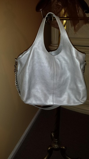 Giana made in Italy Tote in silver Image 1