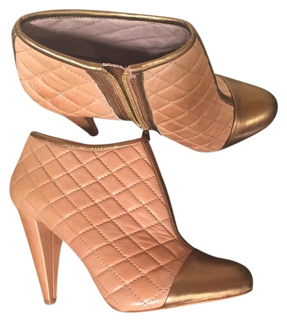 Item - Gold & Natural Leather. Boots/Booties Size US 8 Regular (M, B)