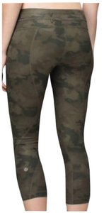Lululemon Like New Lululemon Run Inspire Crop Size 6 Camo Green Savasana