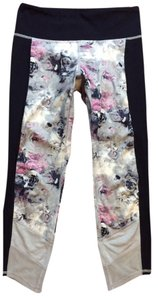 Lululemon Like New Lululemon If You're Lucky Crop Moody Mirage Floral Size 4