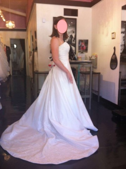 Preload https://item2.tradesy.com/images/mori-lee-soft-white-ivory-taffeta-and-lace-4509-traditional-wedding-dress-size-10-m-137096-0-0.jpg?width=440&height=440