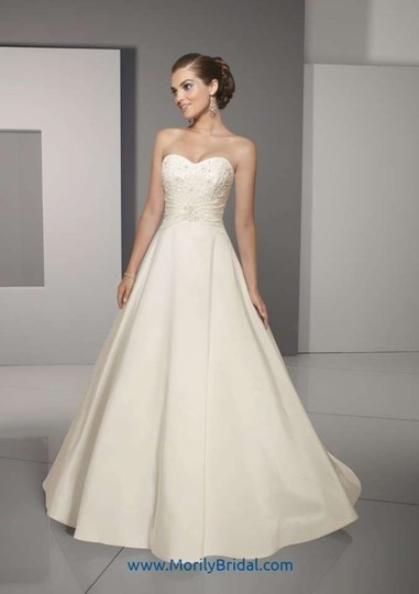 Mori Lee Soft White / Ivory Taffeta and Lace 4509 Traditional Wedding Dress Size 10 (M)