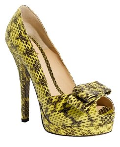 Fendi Yellow Snakeskin Pumps