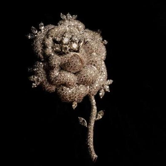 Other Van Cleef & Arpels 18k White Gold & Pave Diamond Rose Bud Pin Image 5