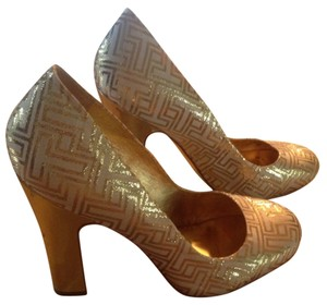 Tory Burch Gold Chunky Heels Golden and Cream Pumps