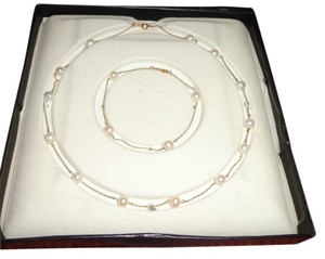 NWOT - Gorgeous Vintage 14K Gold with Real Pearls Necklace & Bracelet Set