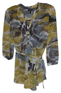 Nicole Miller V Neck 4 Button Top Yellow Grey Brown