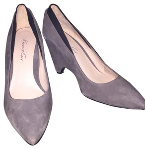 Kenneth Cole Gray Pumps