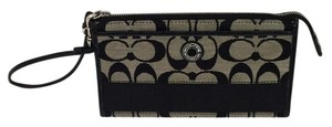 Coach Signature C Wristlet Wallet Black
